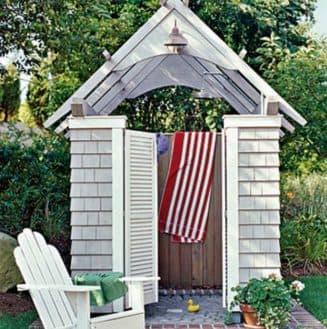 Садовый душ с раздевалкой