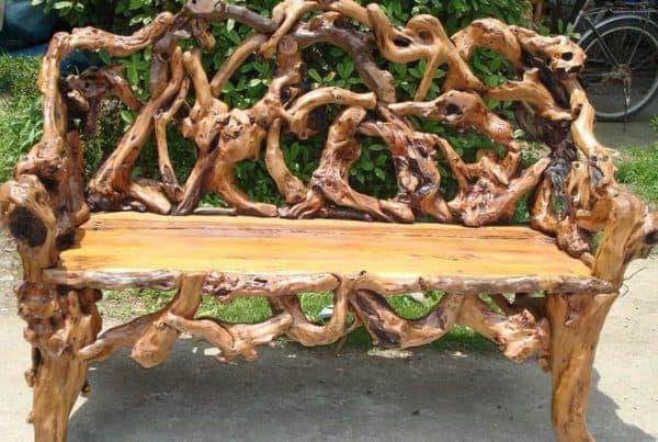 деревянная скамья на дачу
