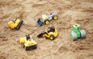 Песок для детской песочницы на даче