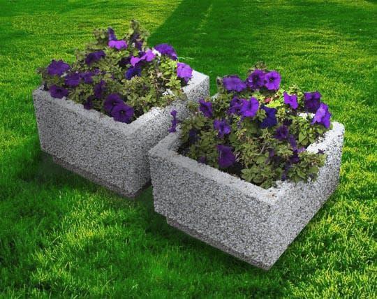бетонная цветочница квадратной формы