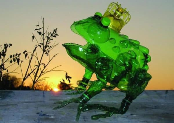 царевна лягушка из пластиковых бутылок