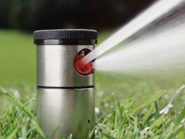дождевальные системы с эффектом вращения для полива газона