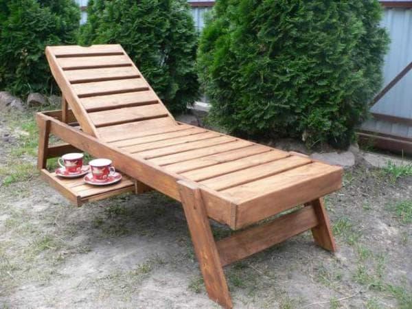 деревянный шезлонг для дачи