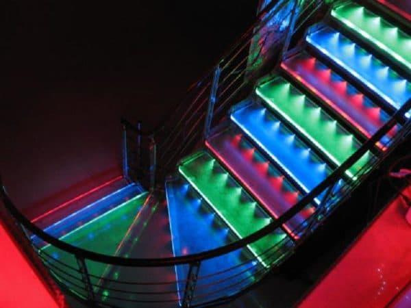 Светодиоды вмонтированные в ступени