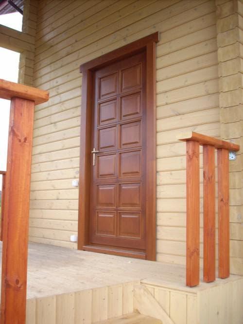 деревянные входные двери из клееного массива