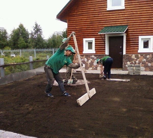 перекопка участка для газона