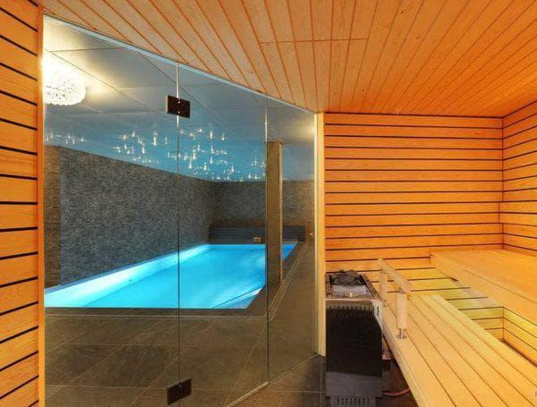 баня из кирпича с бассейном