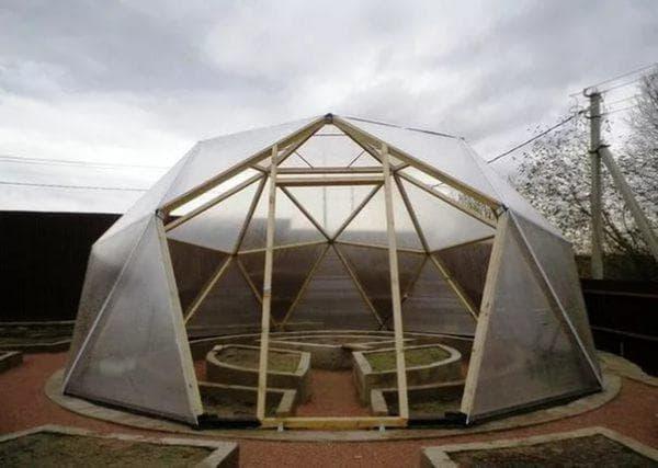 с купольной крышей
