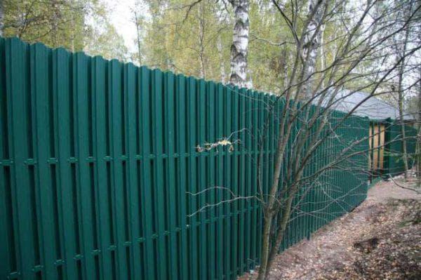 металлический забор штакетник от АльфаЛесСтрой