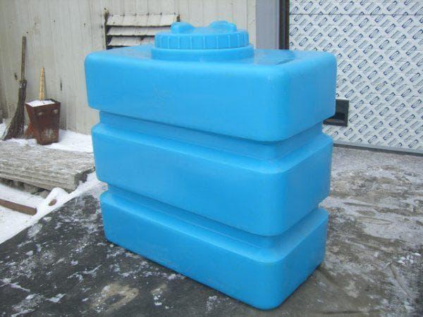 прямоугольные пластиковые емкости для воды на дачу
