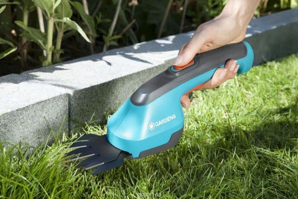 садовые аккумуляторные ножницы Gardena AccuCut 09850-20.000.00