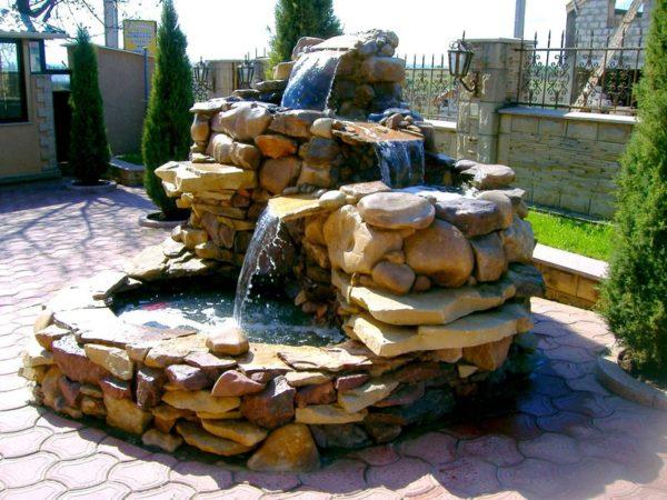 Каменный замок своими руками. Как построить мини замок из камней на даче