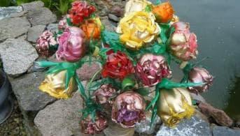 цветы из бутылок пвх