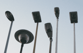 железобетонные осветительный столбы
