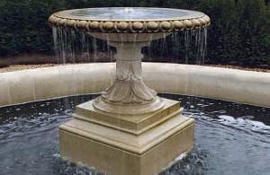 установка фонтана из мрамора