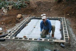 установка теплицы на блочный фундамент