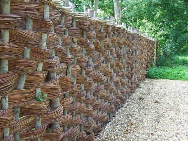 изгородь плетеная
