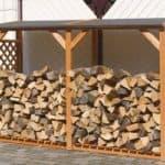 Как самому сделать дровяник на даче?