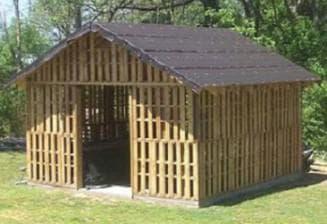 деревянный сарай фото