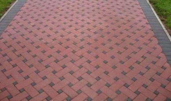 схема укладки тротуарной плитки плетёнка