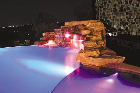 подводные светильники для бассейна с рассеивающимся эффектом