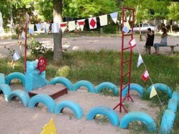 поделки из шин для детской площадки кораблик
