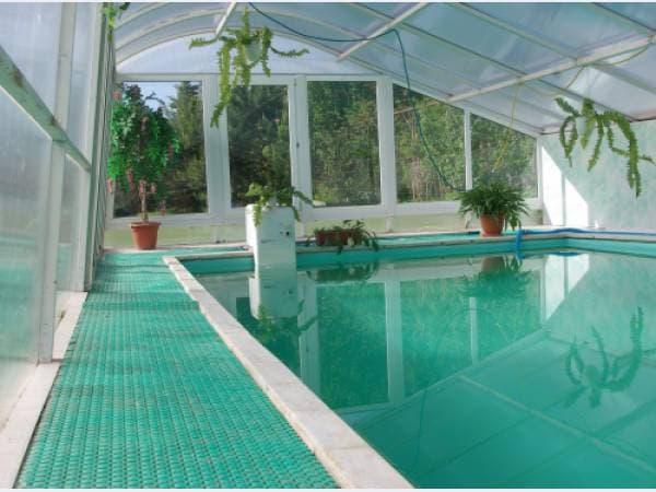 резиновое покрытие для дорожек у бассейнов
