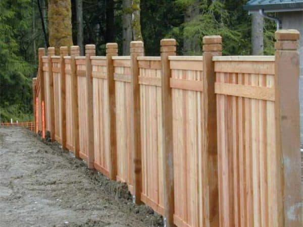 деревянные колпаки на столбы для забора