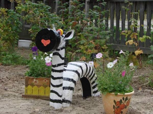 поделки из шин для детской площадки зебра