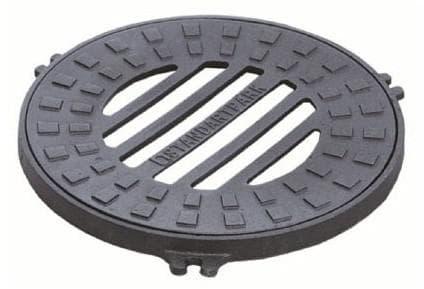 пластиковая крышка для дренажного колодца