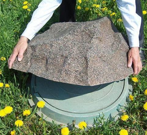 крышка на люк из искусственного камня