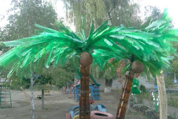 пальма из пластиковых бутылок