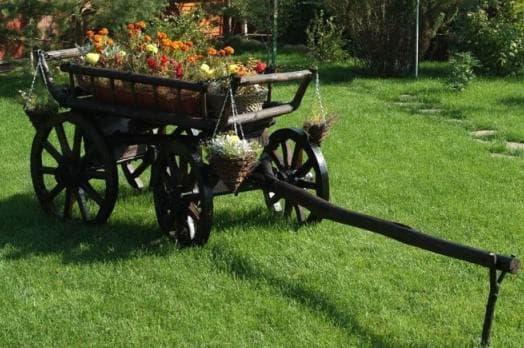 двухколёсная телега декоративная для сада