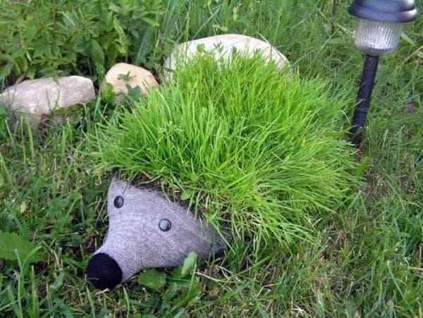 животное из пластиковых баллонов для детской площадки