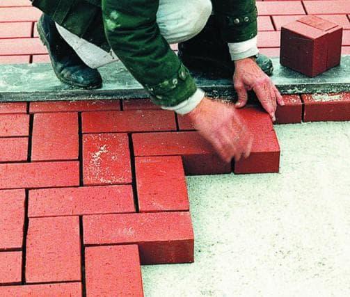линейно-угловая схема укладки тротуарной плитки