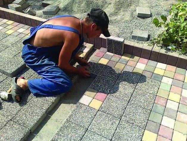 укладка плитки без бордюра на бетонное основание