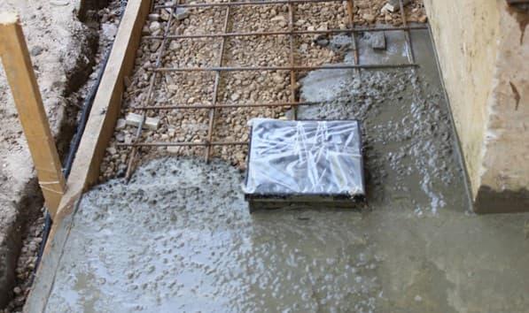 как класть тротуарную плитку на бетон