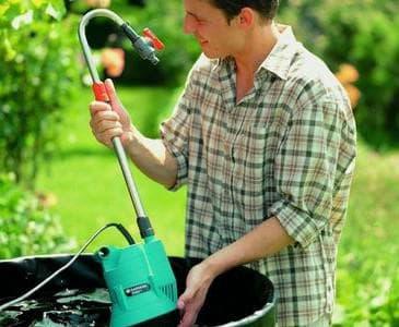 погружной насос для полива из бочки для работы на поверхности