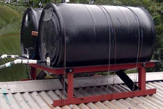 бочка для дачного душа из металлического резервуара