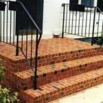 Типы и особенности монтажа входных лестниц в частных домах