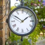 уличные часы для загородного дома