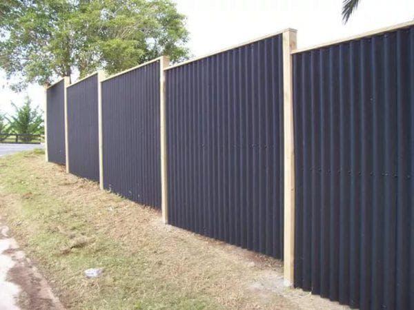 забор из шифера для частного дома