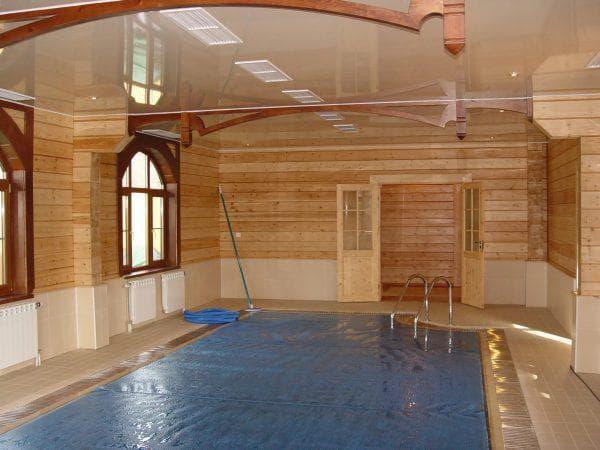баня из бруса с бассейном