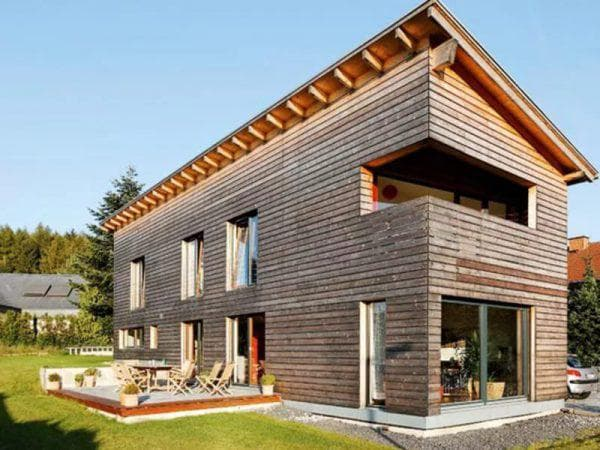 Двухэтажный дом с односкатной крышей