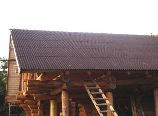 ондулин на деревянном доме