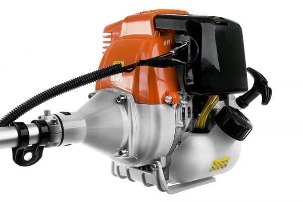 мотор у бензинового триммера для травы