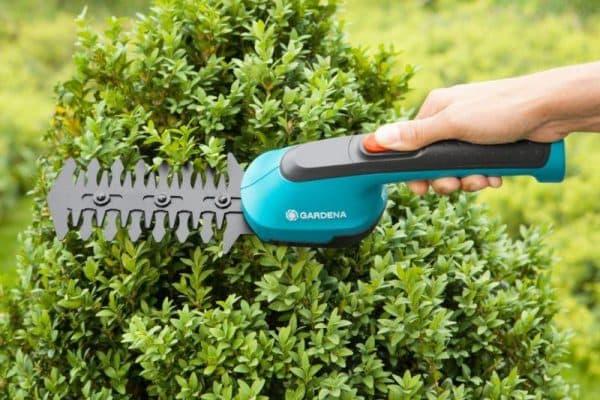 садовые ножницы для стрижки кустов Gardena